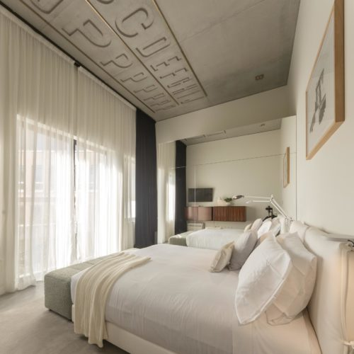 B2 Suite Balcony gallery02